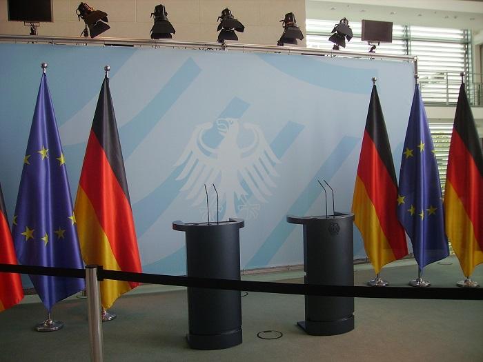 Flaggor på scen